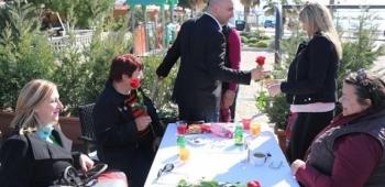 Dan žena: 400 ruža za virske dame