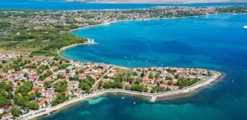 VIR JE HRVATSKA DESTINACIJE GODINE. Prvi i zasad jedini u Hrvatskoj, otok Vir dosegnuo je brojku od dva milijuna noćenja domaćih i stranih gostiju